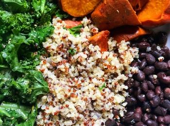 Quinoa, Kale, Blackbeans & Yam bowl