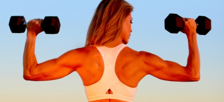 4 Exercises For Healthy Shoulders [Tutorial]